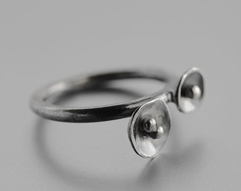 MADE TO ORDER - Tiny poppies - minimalist Sterling silver oxidized handmade ring