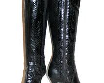 ANNE KLEIN Vintage Snakeskin Boots Black Stiletto Reptile Skin 7 - AUTHENTIC -