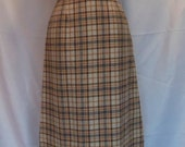 Vintage Neutral Pendleton Wool Skirt. Size Small. By Pendleton Woolen Mills. Fully Lined. Knee Length. Classic Style. Career Wear.