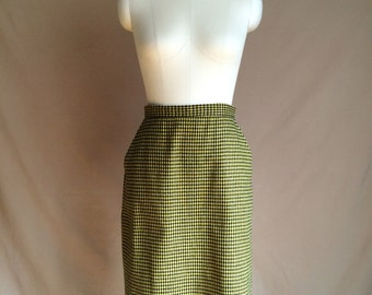 WEEKEND SALE 25% OFF / vintage  1980's plaid checkered yellow and black pencil skirt / size s / slit with buttons / womens