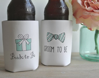 Bride to Be and Groom to Be Wedding Can Cooler Set - Engagement Gift and Wedding Shower Gift, Custom Beer Hugger, Beverage Insulators