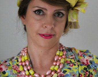 MOONGLOW Coral Pink Bright Yellow Beads Bib Multistrands Beaded necklace Authentic Vintage Jewelry artedellamoda talkingfashion