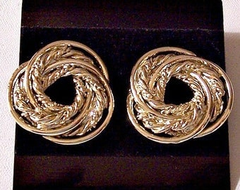 Winding Twisted Smooth Knot Pierced Earrings Gold Tone Vintage Open Center Weaved Strands Large Round Buttons