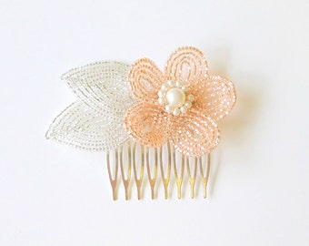 Beaded Flower Wedding Hair Comb in Champagne Pink and White, floral hair piece for brides and bridesmaids, bridal hair pin