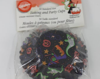 Vintage Halloween Cupcake Baking And Party Cups Papers Wilton Halloween Party Spooky Decor