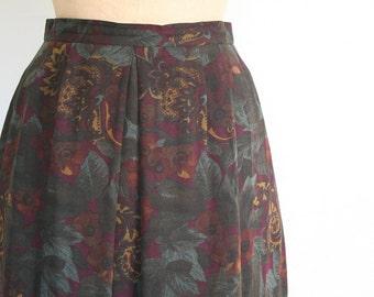 vintage 80s paisley & floral print skirt - vintage boot skirt / imported fine wool paisley print skirt -preppy skirt / vintage paisley skirt
