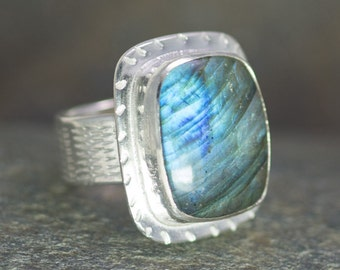 ON SALE - Labradorite Ring, Size 8.5, Cocktail Ring, Lighting Bolt Design, Sterling Silver, Blue Labradorite, Lightning Storm, Chatoyant Gem