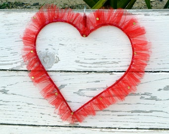 Wedding Decoration  Red Tulle Hanging  Heart .  Santa Valentine Gift . Show your Love Gift . Wedding Party Decoration . Reception Decor