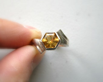 SALE Vintage Geometric Art Deco Style Ring - Sterling Silver with Golden Glass Size 6 / Unique Hexagon Shape Dynamic Design, Yellow Orange