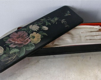 VINTAGE FRENCH GLOVES Woman's Petite Size Soft Leather 6 Mother of Pearl Snaps in Black Laquer Glove Box Hand Painted Roses France 1920's