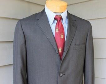 vintage c. 1962 -Worsted Tex- Men's sharkskin Ivy League suit coat. 3/2 roll - Sack. Crisp & clean. Size 37 Short