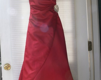 red eveing dress size 8