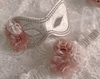 Wedding Masquerade Ball Mask & Garter Set