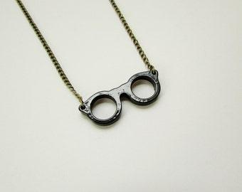 Retro Eye Glasses Necklace in Black
