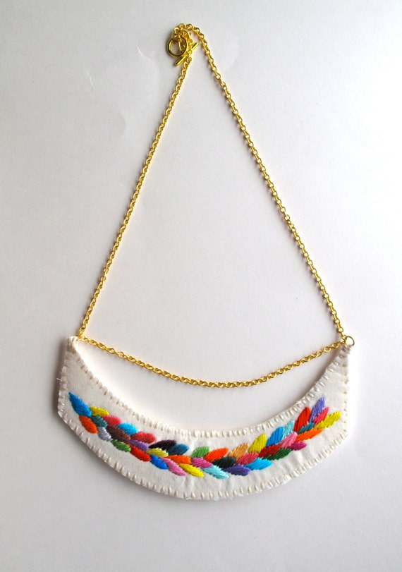 Embroidered necklace multicolored laurel leaf design on a gold
