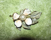 Gorgeous Collectible Vendome Enamel Gold Tone Faux Baroque Pearl Brooch Pin