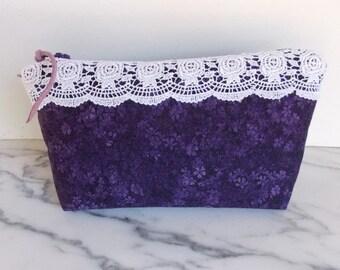 Zipper Pouch Bag - Lace - Shabby Chic - Vintage Look - Purple - White