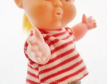 """Vintage Evergreen Plastic 6 1/2"""" Toddler Type Doll, Made In Hong Kong, Big Side Glancing Green Eyes, Freckles, Blonde Hair, Collectible"""