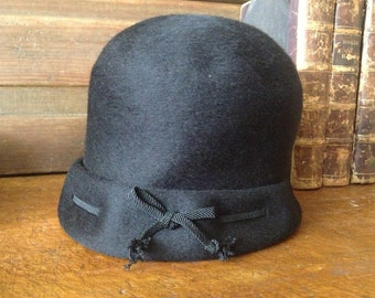1920s Flapper Cloche Hat Henry Pollak New York 100 Black Felted Wool Downton Abbey Style