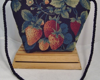 Strawberry Theme Tapestry Novelty Shoulder Bag with Zip Closure