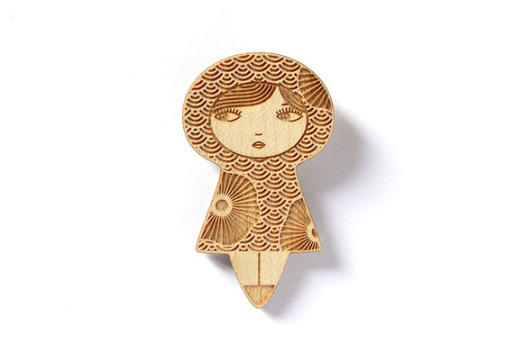 Doll brooch with flowers - seikaiha Japanese pattern - kokeshi pin - matriochka jewelry - russian doll jewellery - lasercut maple wood