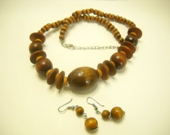 "Vintage Wooden Demi Parure (4035) 21"" Necklace & Pierced Earrings"