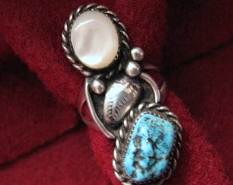 Vintage SOUTHWESTERN FEATHER Ring -- Turquoise and Mother of Pearl in Sterling Silver -- Size 6-1/4