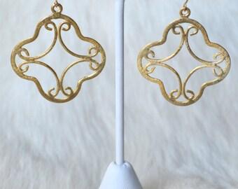Clover gold filigree earrings