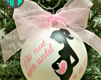Expecting Mother Ornament, Pregnancy Gift, Pregnancy Ornament, Mommy to Be Gift, Pregnancy Announcement, Baby Bump, Due Date, Gift for her