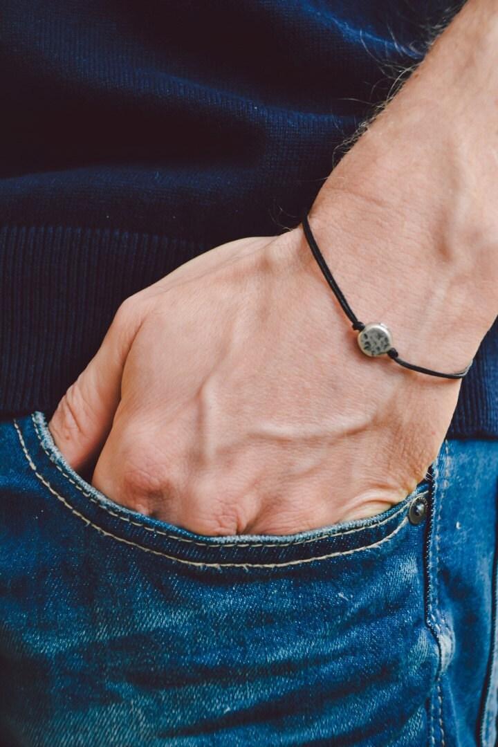 herren armband schwarze schnur armband f r m nner mit einem. Black Bedroom Furniture Sets. Home Design Ideas