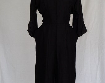 DRESS SALE 20% / 1940s 50s Dress / Black Daydress with Ruffle Collar and Faux Pearl Buttons Front Metal Zipper / R&K Original