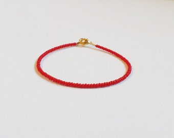 Red bracelet, seed bead bracelet,carmin bracelet,simple bracelet, friendship bracelet, minimalist red bracelet, seed bead jewelry, gift idea