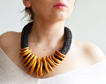 Gold statement necklace, golden necklace, bib necklace, chunky necklace statement, African necklace, ethnic necklace, original necklace