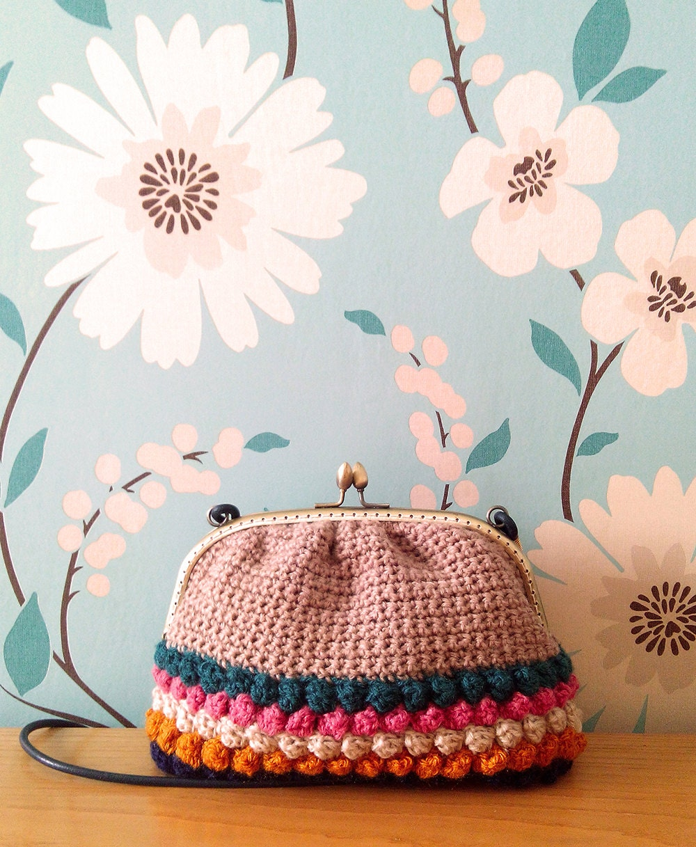 Handmade Crochet Bags And Purses : Frame shoulder bag // Handmade crochet leather by AngelinesMoreno