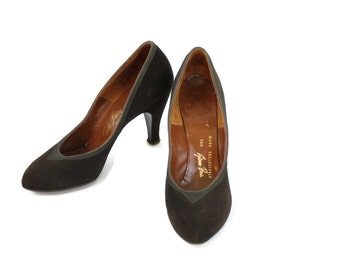 1950s Brown Suede Pumps / 50s Chocolate Heels / Shoes size 7