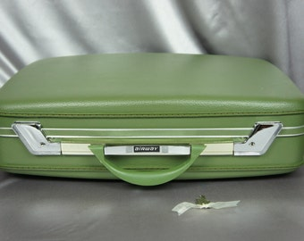 Airway suitcase, green luggage, case with key, hard shell suitcase, 21 inch case, green travel bag, vintage suitcase, 60's prop.