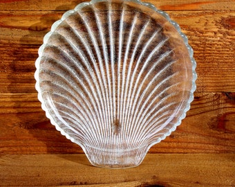 Vintage Glass Shell Plate