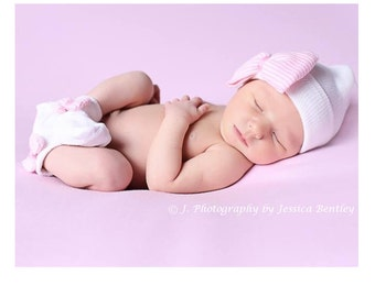 Newborn Girl Socks. Socks with Pink & White Striped Bow to match your Newborn Hospital Hat/Beanie.