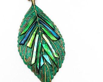 Iridescent Leaf Necklace,Leaf Jewelry, Nature Inspired Jewelry,Nature Jewelry,Nature Necklace,Woodland Jewelry,Leaf Pendant,OOAK,Artisan
