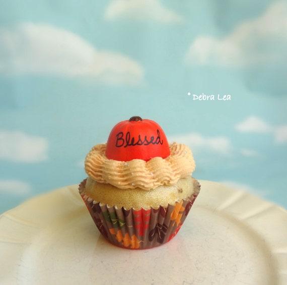 Fake Cupcake Handmade Happy Thanksgiving Blessed Pumpkin Cinnamon Spice Cream Faux Dessert Decoration Kitchen Decor