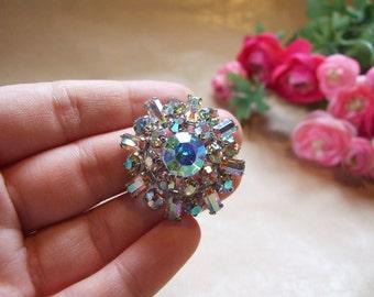 Aurora Borealis Vintage rhinestone brooch// 1950s aurora borealis// Vintage crystal brooch