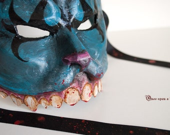 American McGee's Alice Cheshire cat. Venetian mask made of papier maché.