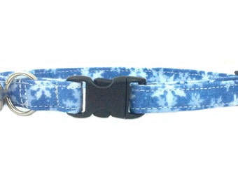 Winter Snowflakes Blue and White Christmas Holiday Cat or Kitten Breakaway Safety Collar