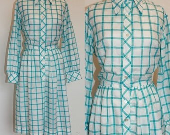 Vintage Blue and White Checkered Dress// 1970s Day Dress// Cotton Medium Long Sleeve Dress// Thin Cotton Plaid Shirt Dress