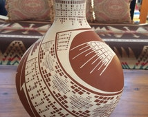 signed Betty Quezada Mata Ortiz pottery hand painted pot Indian Indigenous Mexico Mexican southwestern pueblo geometric abstract
