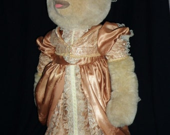 1987 Tilly Bear~ Victorian Dressed