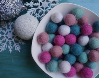 Felt Pom Pom Garland / Holiday Garland Pink Turquoise White / Pink Aqua White Party Decoration / Felt Ball Garland DIY Craft Kit