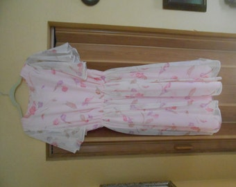 Elegant and Sweet vintage Pink chiffon and sateen party dress- custom made- mint condition !