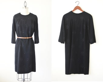 SALE ~ Vintage black dress / 60s embroidered dress / 1960s dress