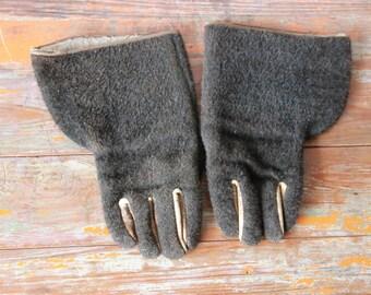 Old Mohair Gauntlet Gloves